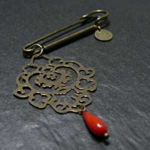 Broche Sharjah Corail rouge