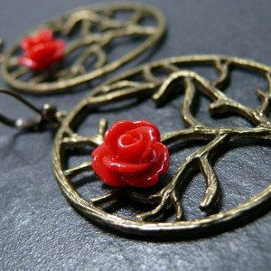 Ikebana Bronze rose rouge